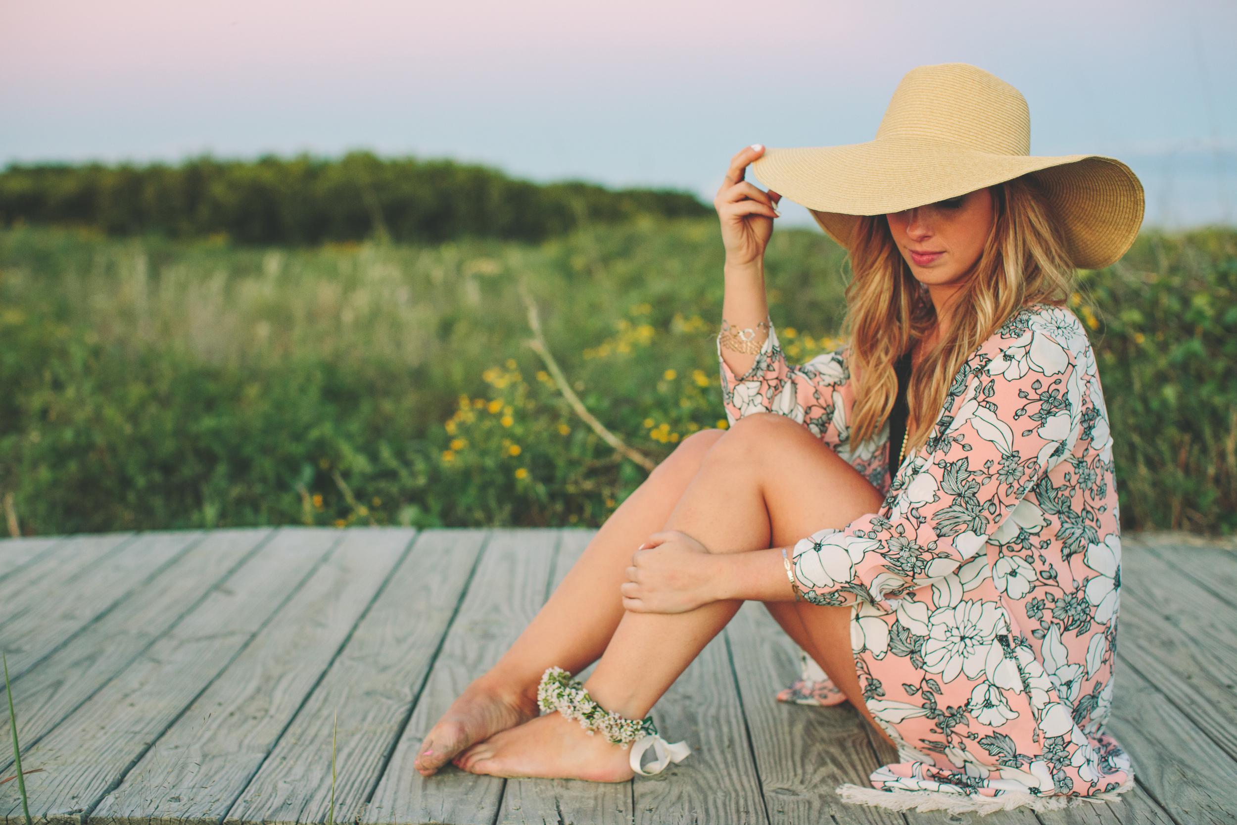 Honeymoon Packing Tips with Top Knots & Polka Dots