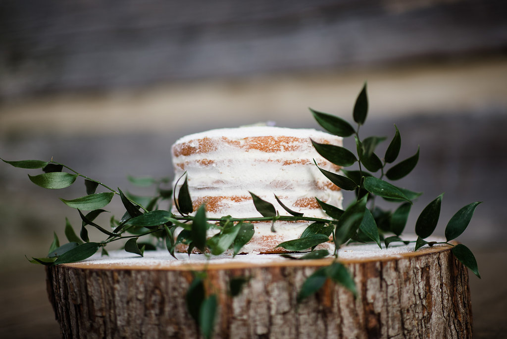 Rustic Southern wedding cake