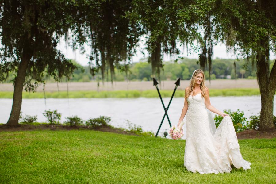 Charleston Bride at Magnolia Plantation