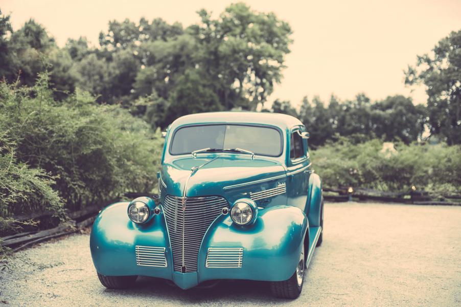 Vintage Charleston wedding car