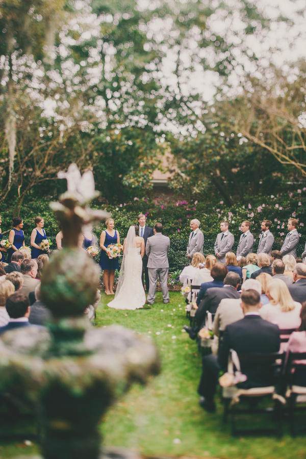 Outdoor Charleston wedding ceremony at the Thomas Bennett House by Hyer Images