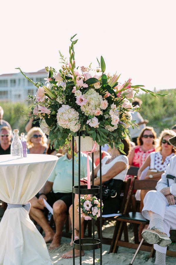 Myrtle Beach wedding ceremony flowers by Callas Florist