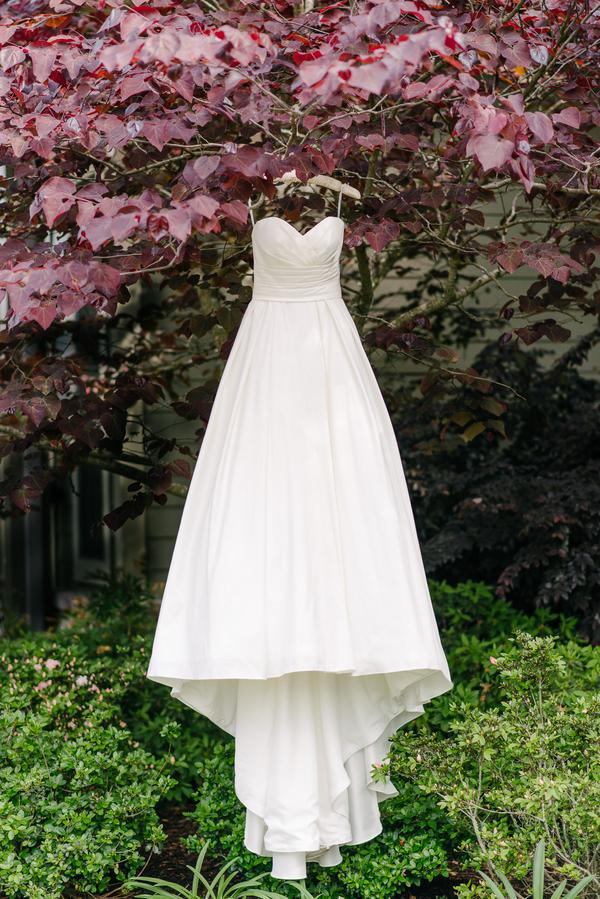 Charleston Wedding dress at Boone Hall Plantation by Riverland Studios
