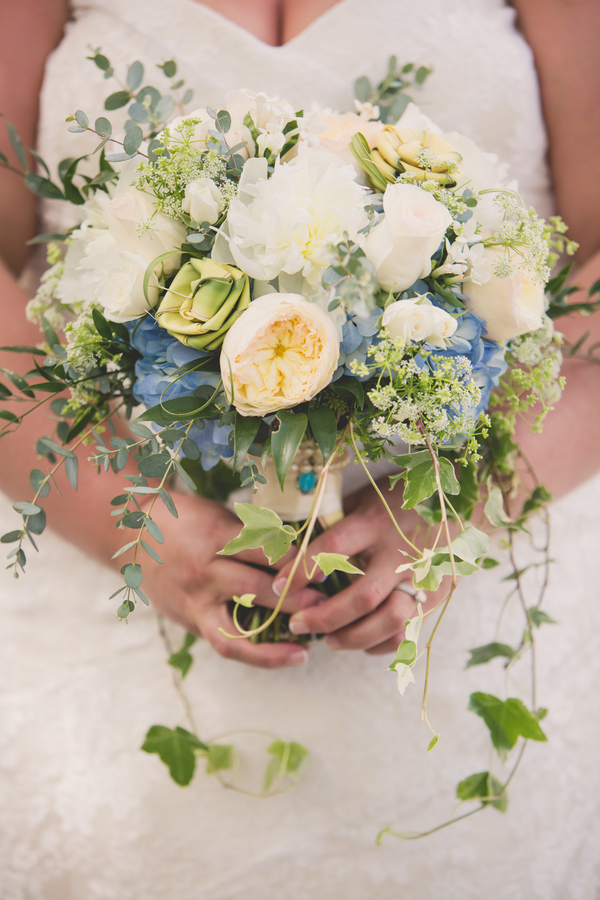 Charleston wedding bouquet by Tiger Lily Weddings
