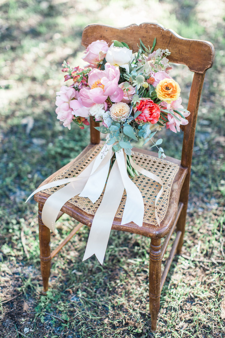 Romantic Pastel wedding inspiration in Savannah, GA by Colonial House of Flowers and Apt B Photography