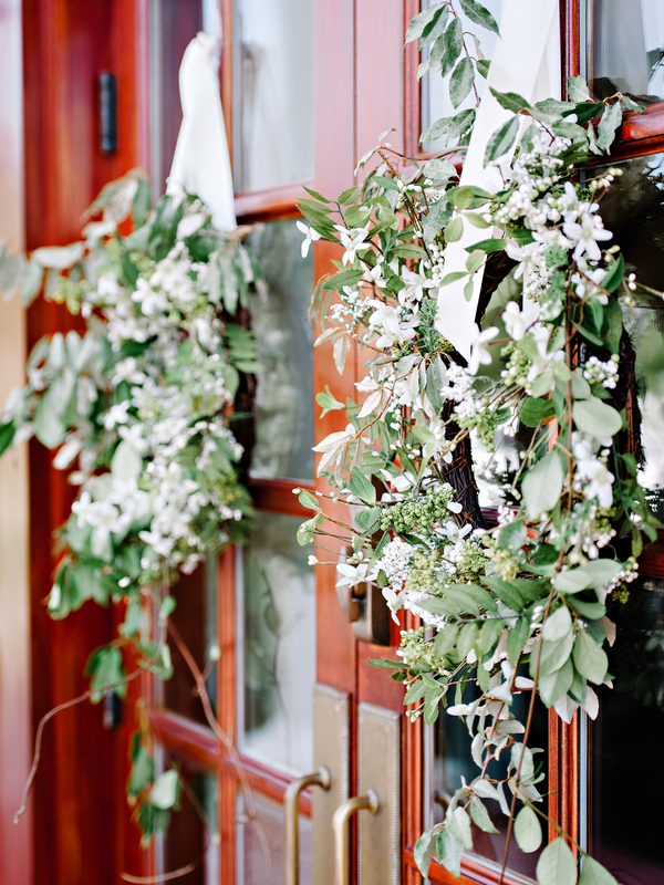 Myrtle Beach Wedding wreaths at Pine Lakes Country Club by Pasha Belman Photography