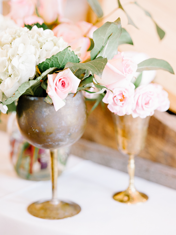 Pine Lakes Country Club wedding flowers by Blossoms Events