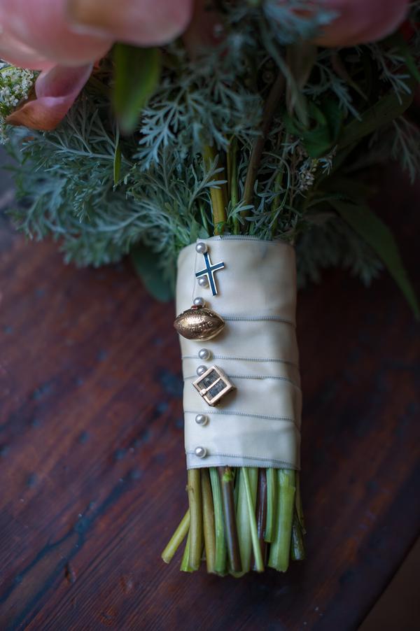 Wadmalaw Island, SC wedding by Molly Joseph Photography
