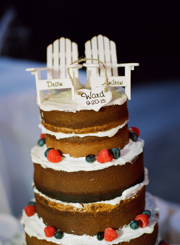 Myrtle Beach wedding cake at Grande Dunes Ocean Club by Gillian Claire Photography
