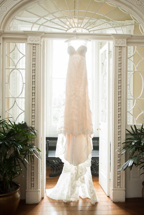 Country Club of Charleston Wedding photographed by Reese Moore, flowers by The Flower Cot