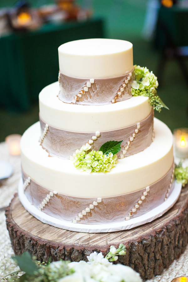Sweetgrass-inspired cake by Croissants Bistro & Bakery at Caledonia Fish & Golf Club wedding by Myrtle Beach SC vendor Magnolia Photography