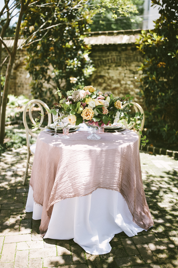 Charleston wedding inspiration at The Gadsden House and RiverOaks by Lowcountry Vendors Stephanie Gibbs Events, Jett Walker Photography and Wild Ivory Beauty