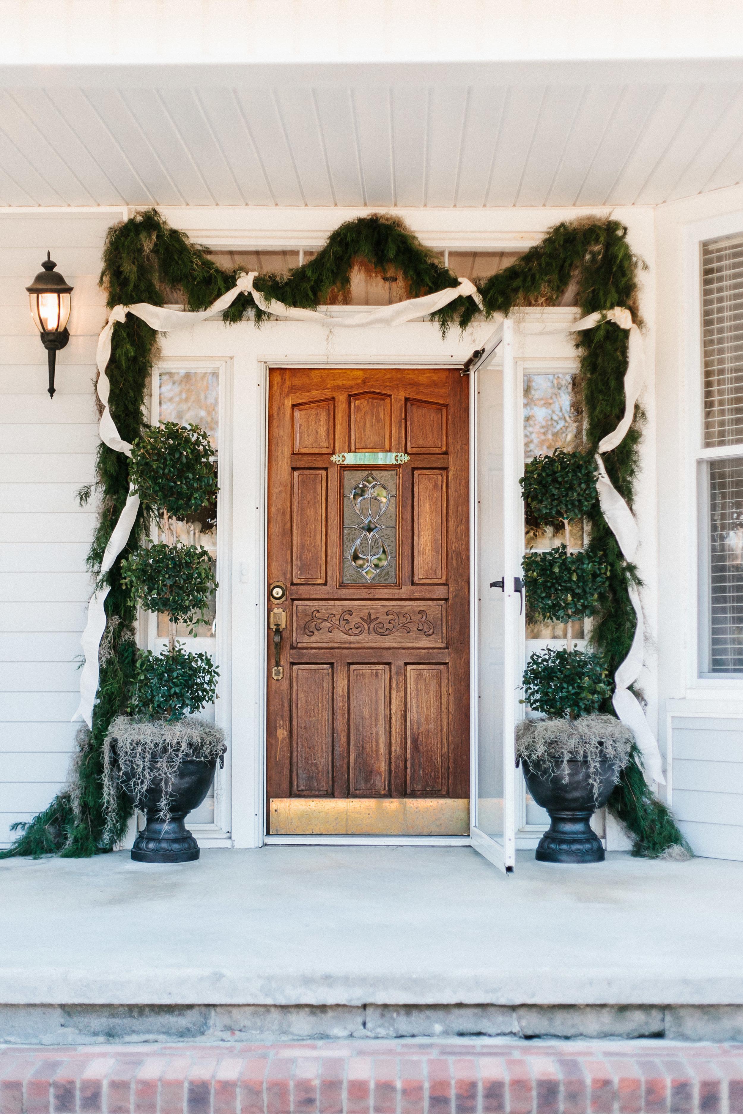 Winter wedding greenery in Stillmore, GA by Mark Williams Studio