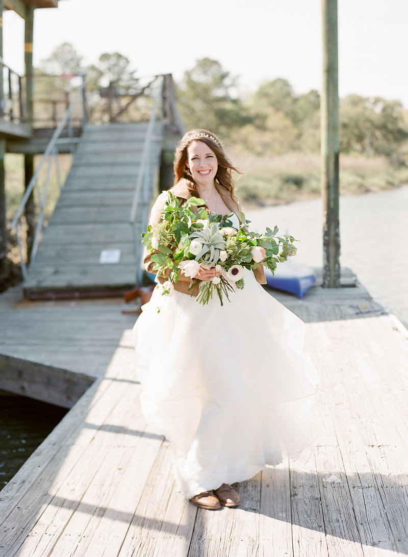Savannah, Georgia wedding inspiration at The Wyld Dock Bar by The Happy Bloom