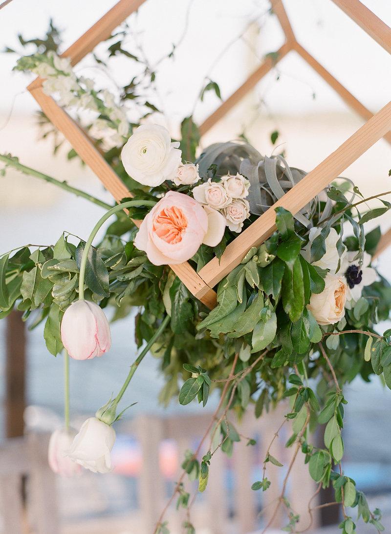 Savannah, Georgia wedding inspiration at The Wyld Dock Bar by The Happy Bloom