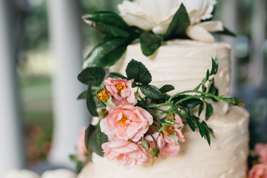 Rustic wedding cake in Charleston, South Carolina