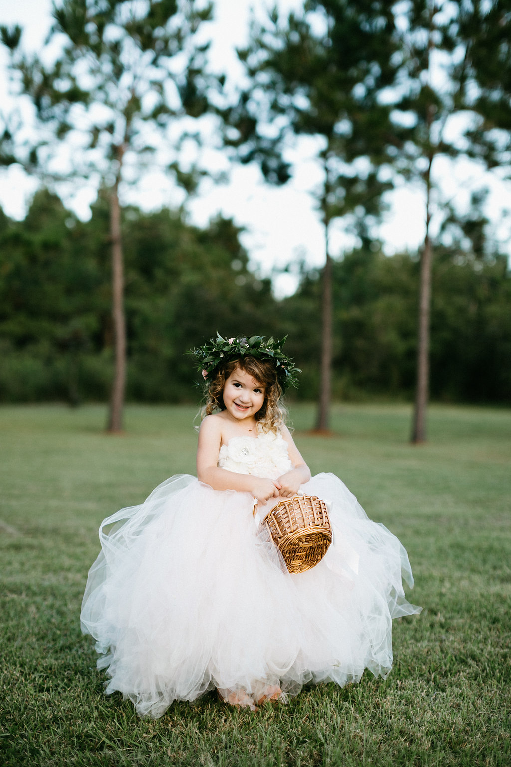 Charleston wedding at Wingate Plantation on Johns Island, SC l Flower girl l Monika Gauthier Photography