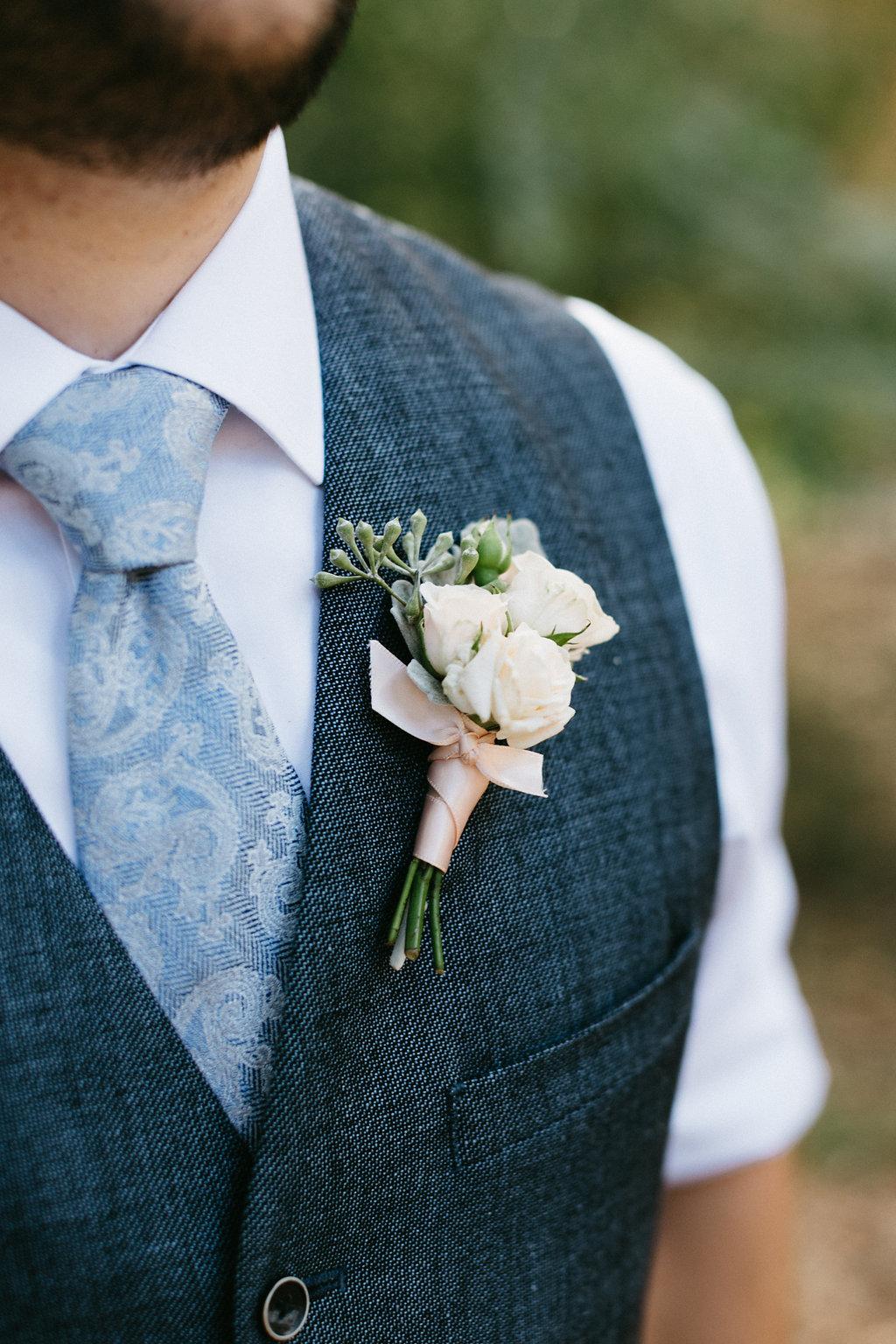 Wingate Plantation wedding on Johns Island l boutonniere l Pure Luxe Bride