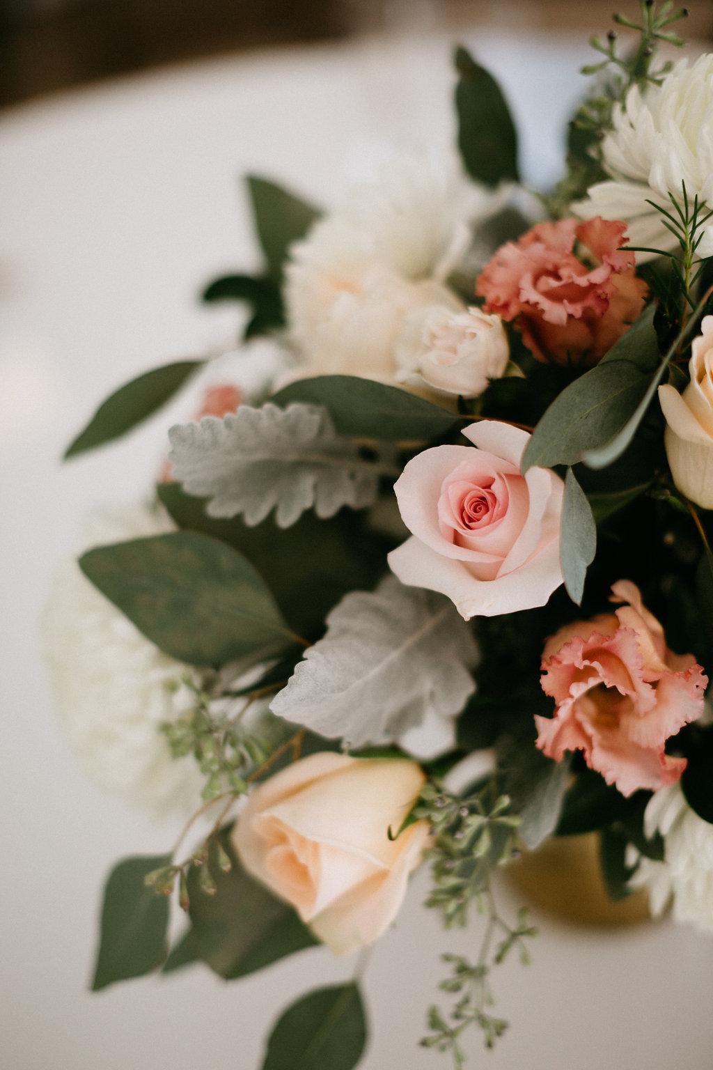 Wingate Plantation wedding on Johns Island l Charleston, SC florist l Wildflowers Inc.
