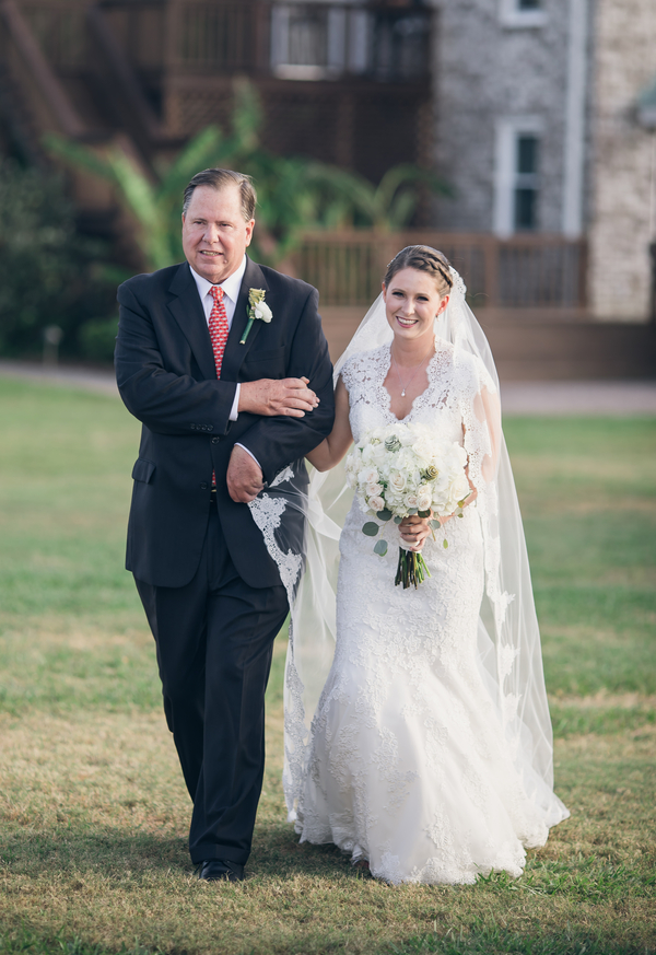 Father walking Bride down the aisle in Johns Island, SC
