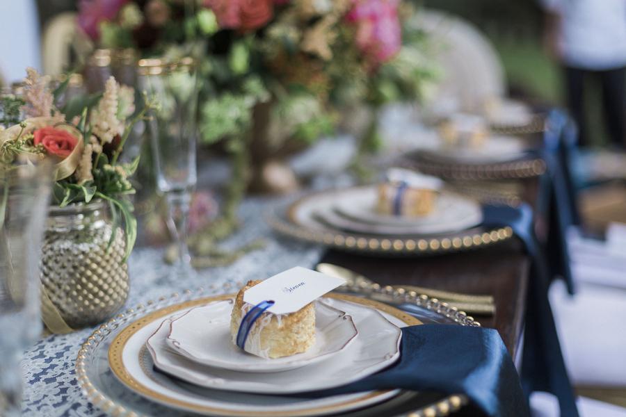 Glamorous McLeod Plantation wedding inspiration by Ava Moore photography