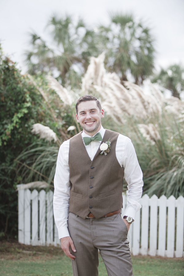 Charleston wedding at Wild Dunes Resort by Ava Moore Photography
