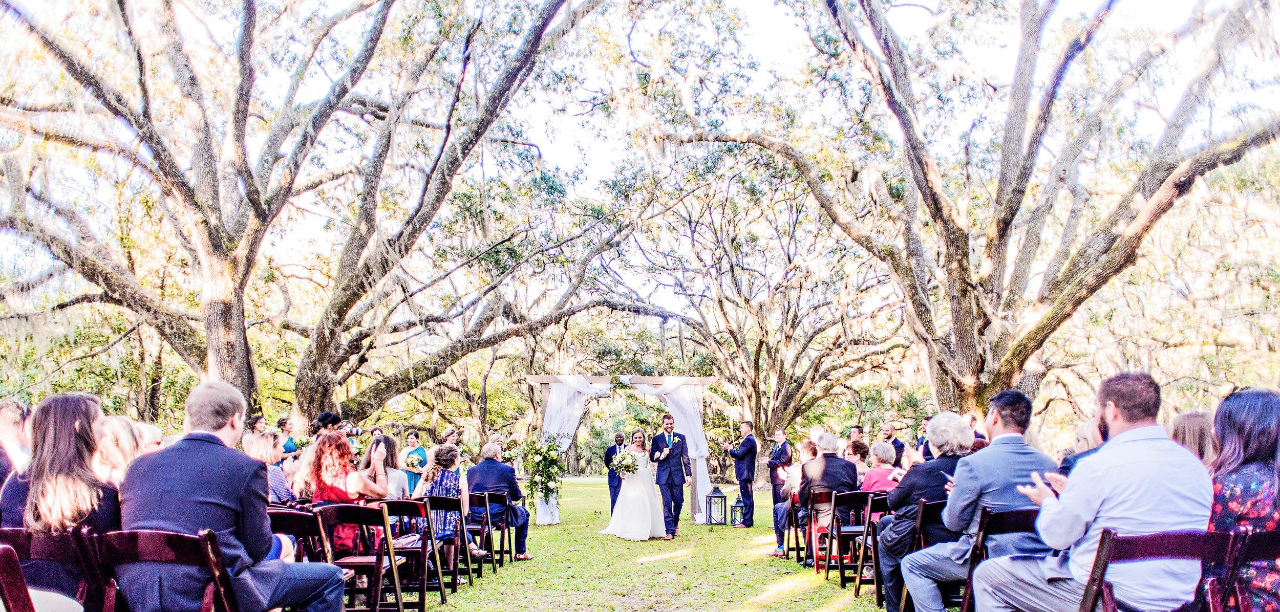 Teal wedding at Litchfield Plantation by Corina Silva