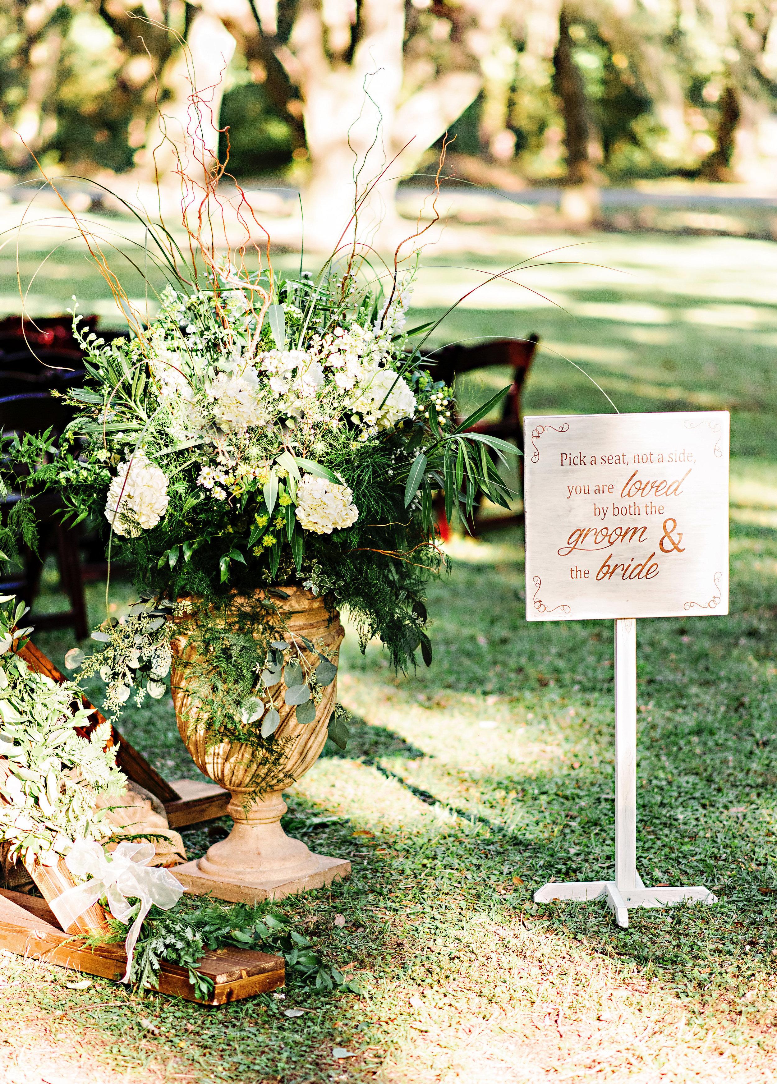 Teal wedding at Litchfield Plantation by Corina SilvaTeal wedding at Litchfield Plantation by Corina Silva