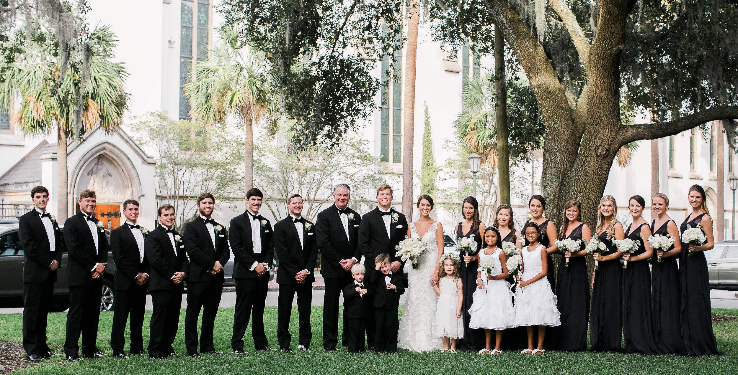 Navy and white bridal party in Savannah, Georgia