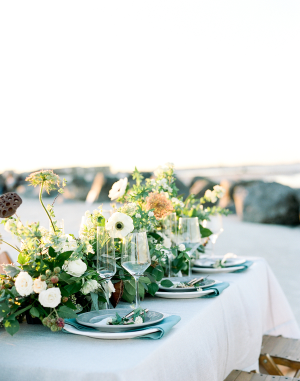 Coastal table setting by Design Studio South  //  Savannah wedding photos by Dee Carlin Photography  //  on A Lowcountry Wedding Magazine & Blog