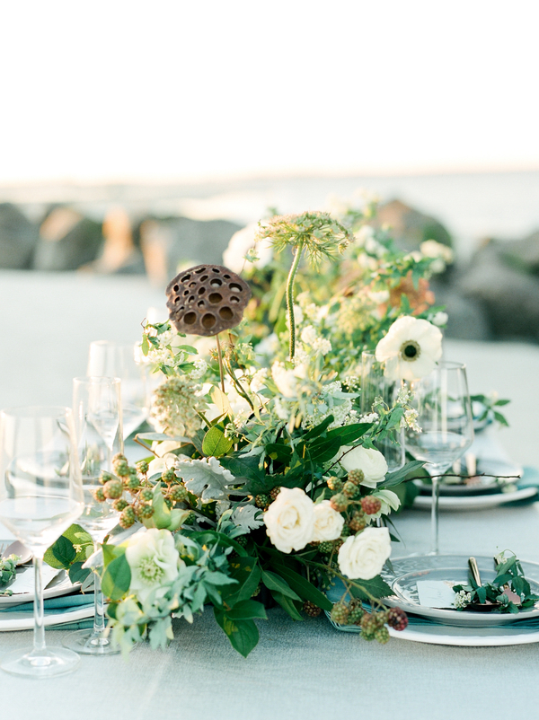 Organic floral runner by A to Zinnias  //  Savannah wedding photos by Dee Carlin Photography  //  on A Lowcountry Wedding Magazine & Blog