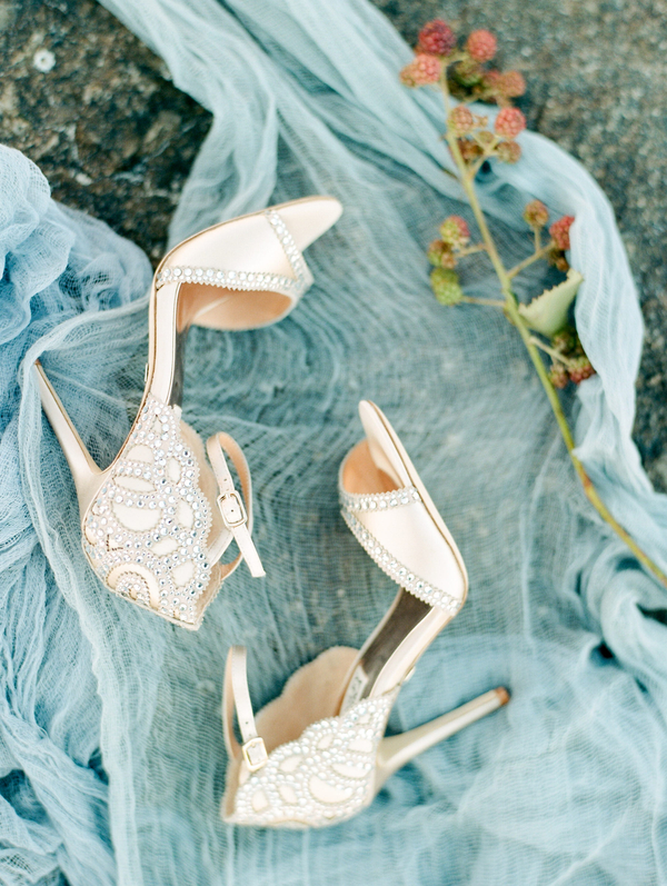 Badgley Mischka shoes  //  Savannah wedding photos by Dee Carlin Photography  //  on A Lowcountry Wedding Magazine & Blog