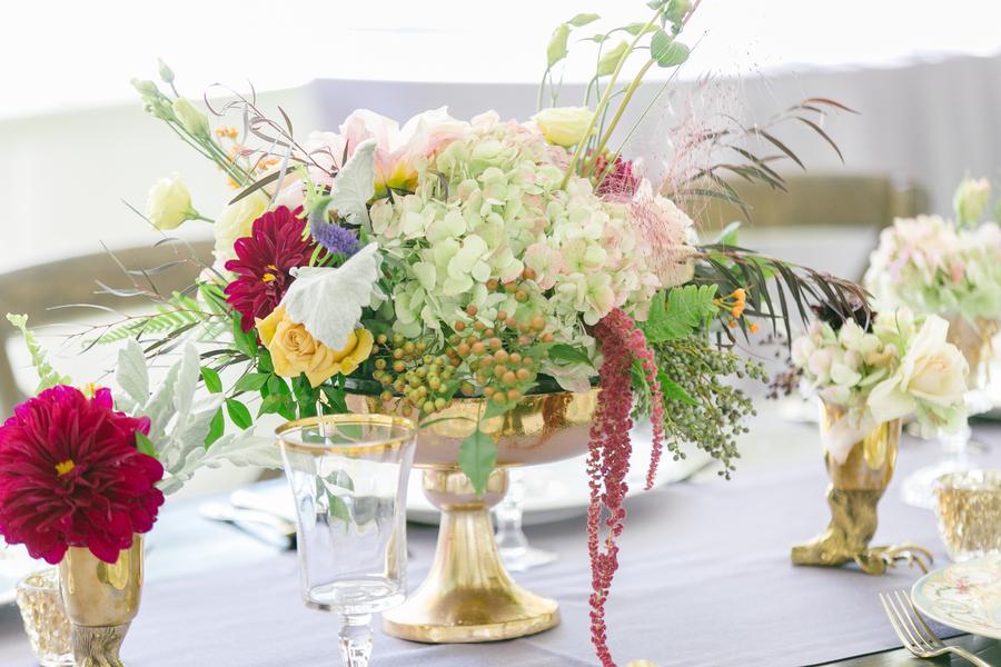 Green hydrangea centerpieces by Suzanne's Floral Studio  //  Charleston wedding photographer Riverland Studios  //  A Lowcountry Wedding Magazine & Blog
