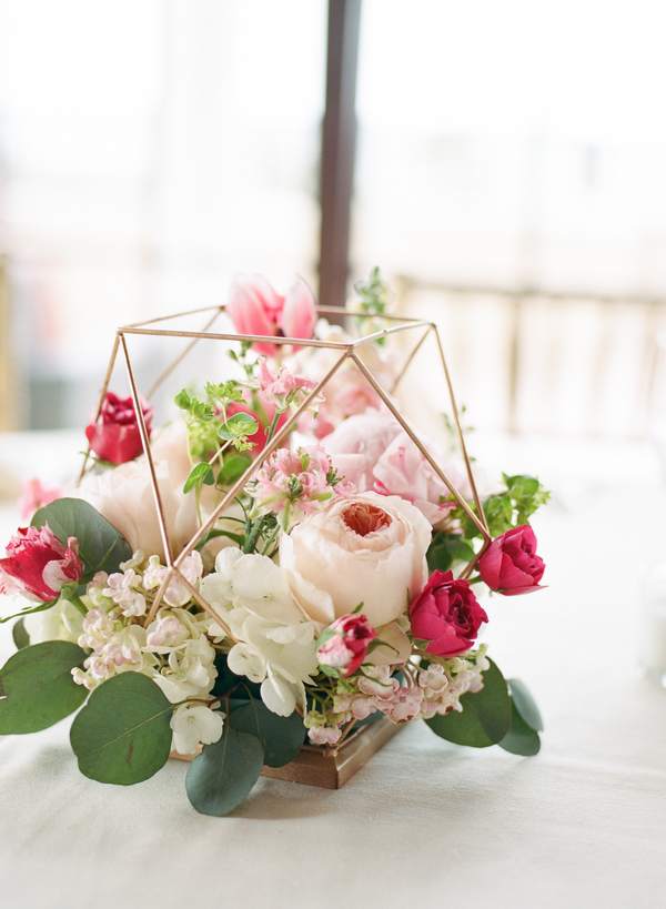 Pink centerpieces in geometric vases by Little Shop of Flowers //  Myrtle Beach wedding photos by Gillian Claire Photography  //  A Lowcountry Wedding Magazine & Blog