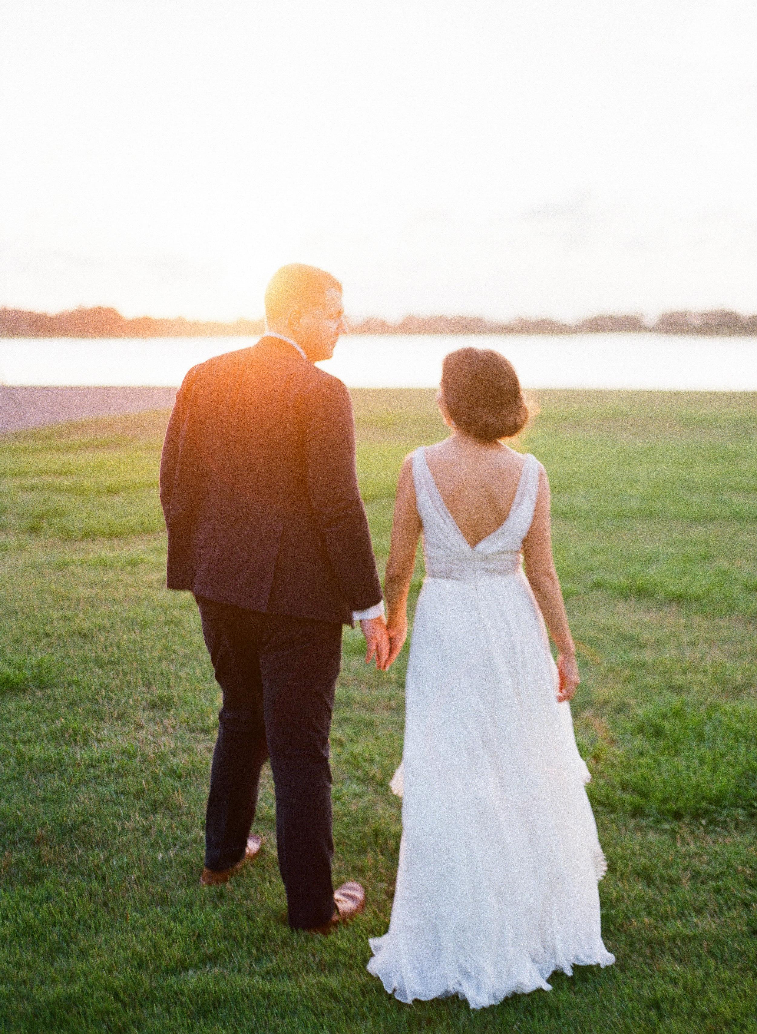 Wedding portraits at The Island House on Johns Island SC  //  Charleston wedding photos by Lauren Jonas Photography