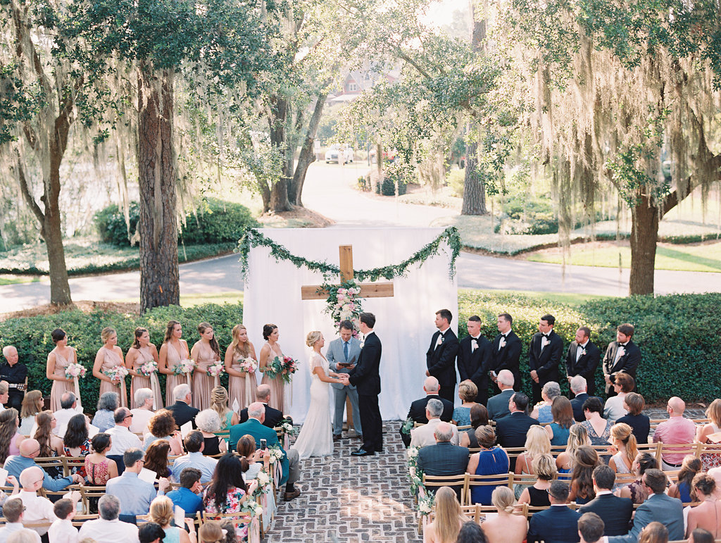 Oldfield Club wedding ceremony by A Charleston Bride  //  Hilton Head photographs by Landon Jacobs  //  A Lowcountry Wedding Magazine