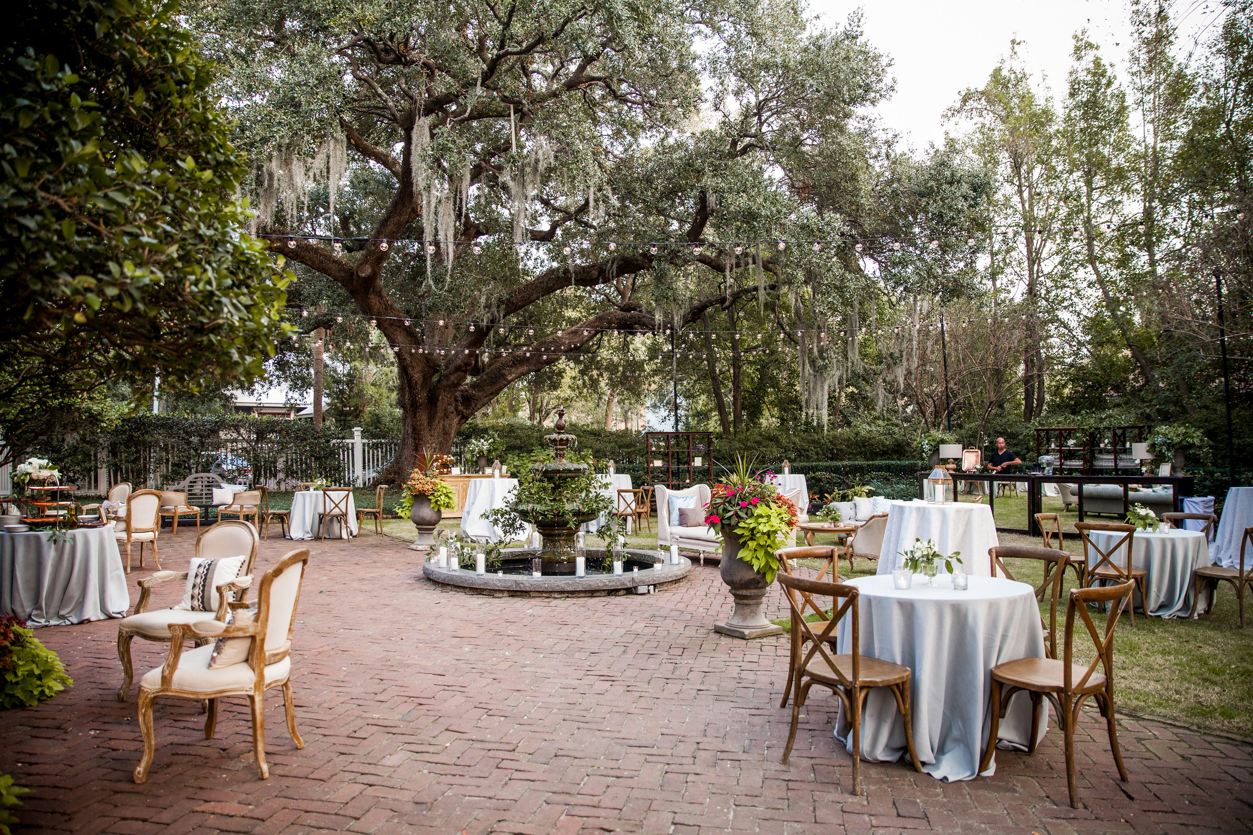 Outdoor Charleston wedding at The Governor Thomas Bennett House TIMWILL  //  A Lowcountry Wedding Magazine & Blog