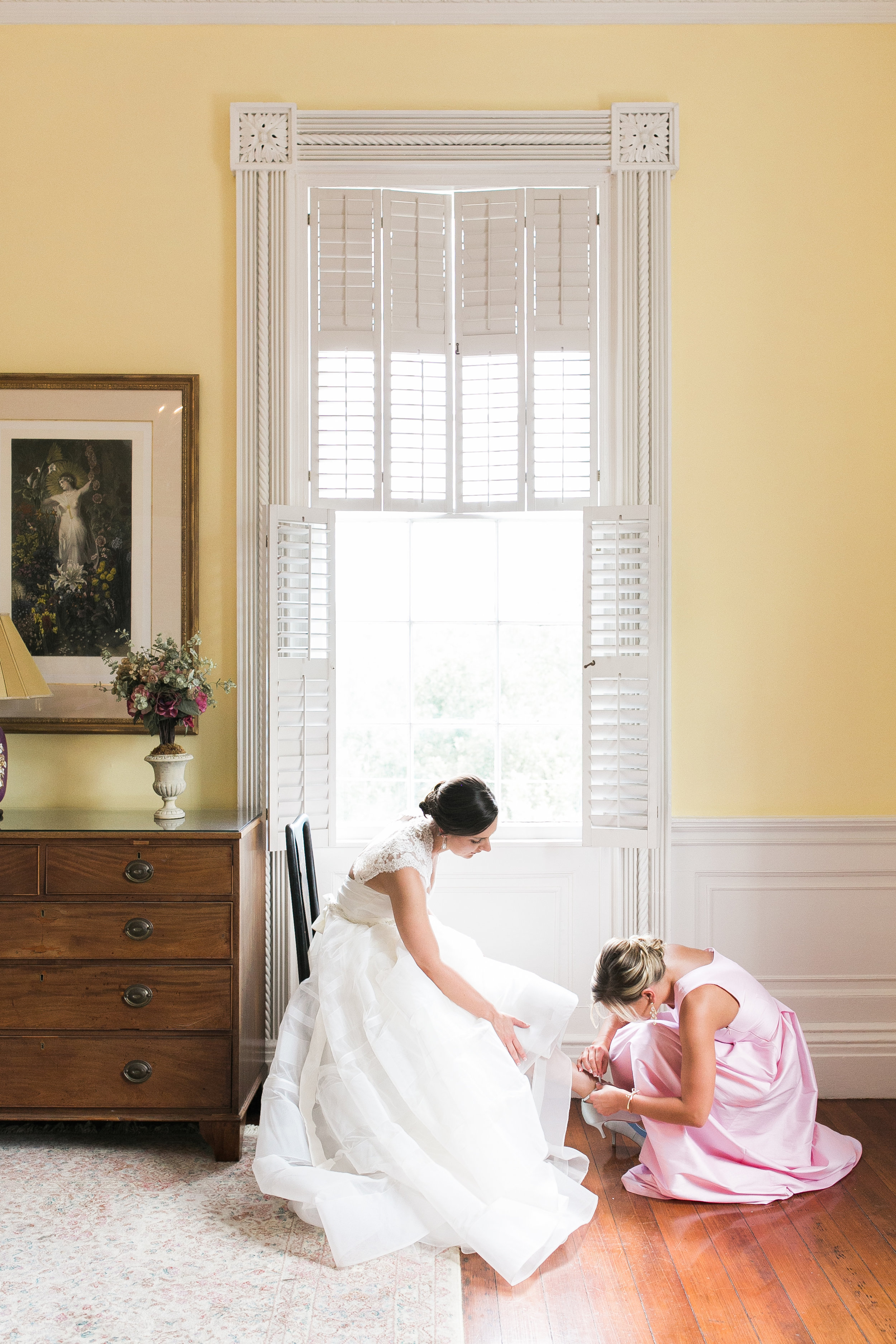 Bride in a Hayley Paige gown at The Governor Thomas Bennett House  //  Charleston wedding photos by Jenna Marie Weddings  //  A Lowcountry Wedding Magazine & Blog