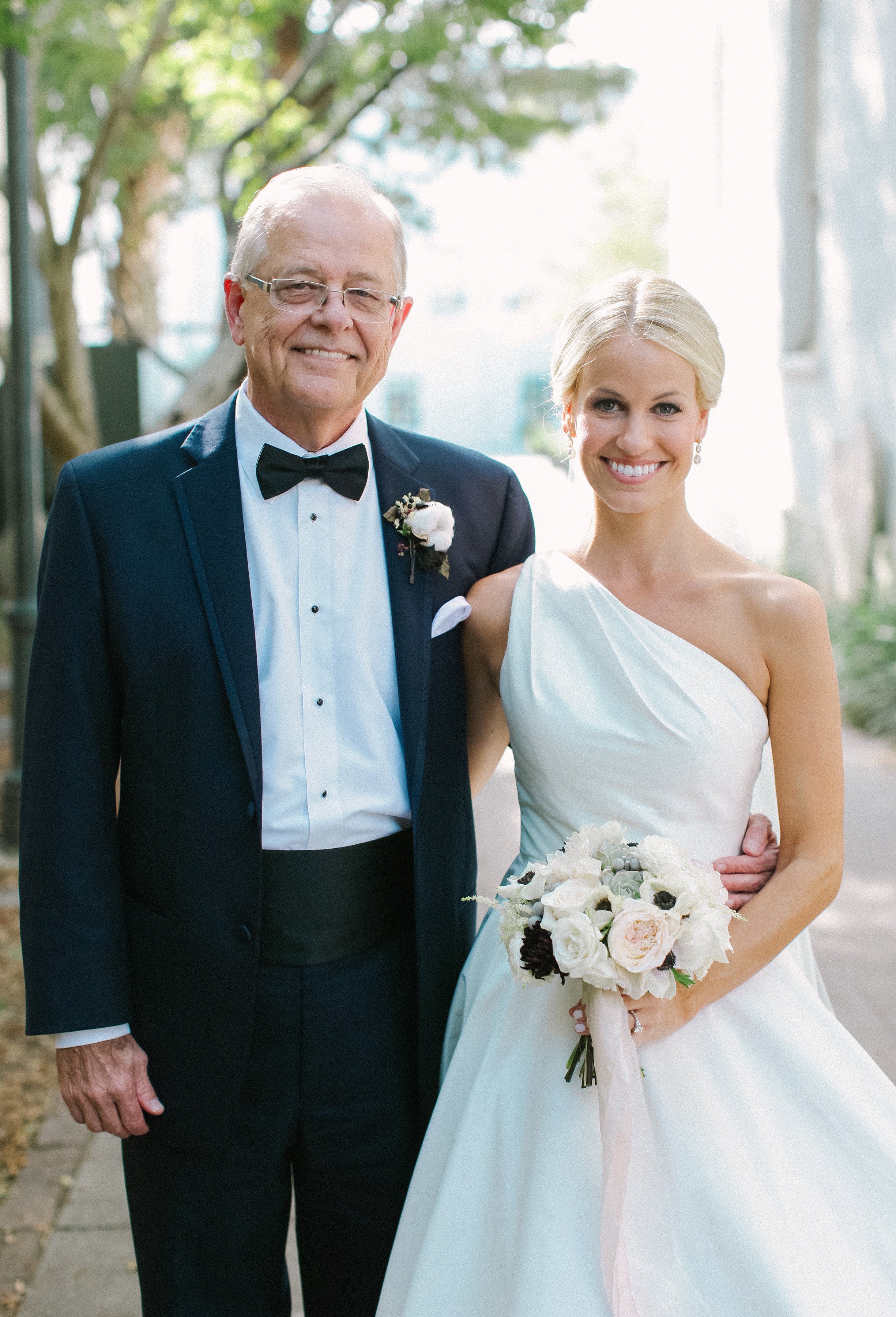 Father of the Bride and daughter at First Baptist Church of Charleston  //  Wedding photography by Landon Jacob  //  A Lowcountry Wedding Magazine