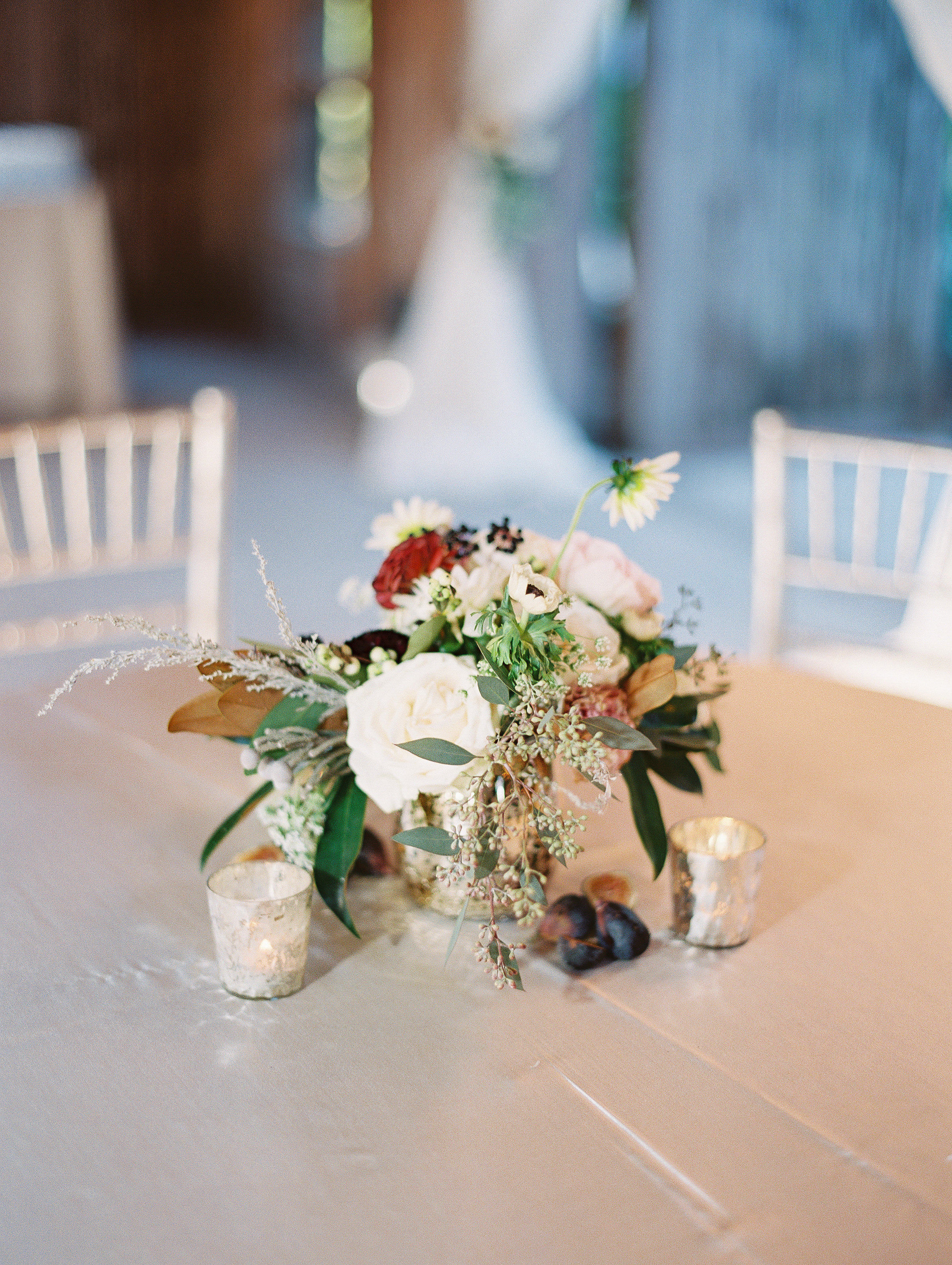 Fall-inspired centerpieces at Cotton Dock wedding  //  Boone Hall Plantation photography by Landon Jacob  //  A Lowcountry Wedding Magazine