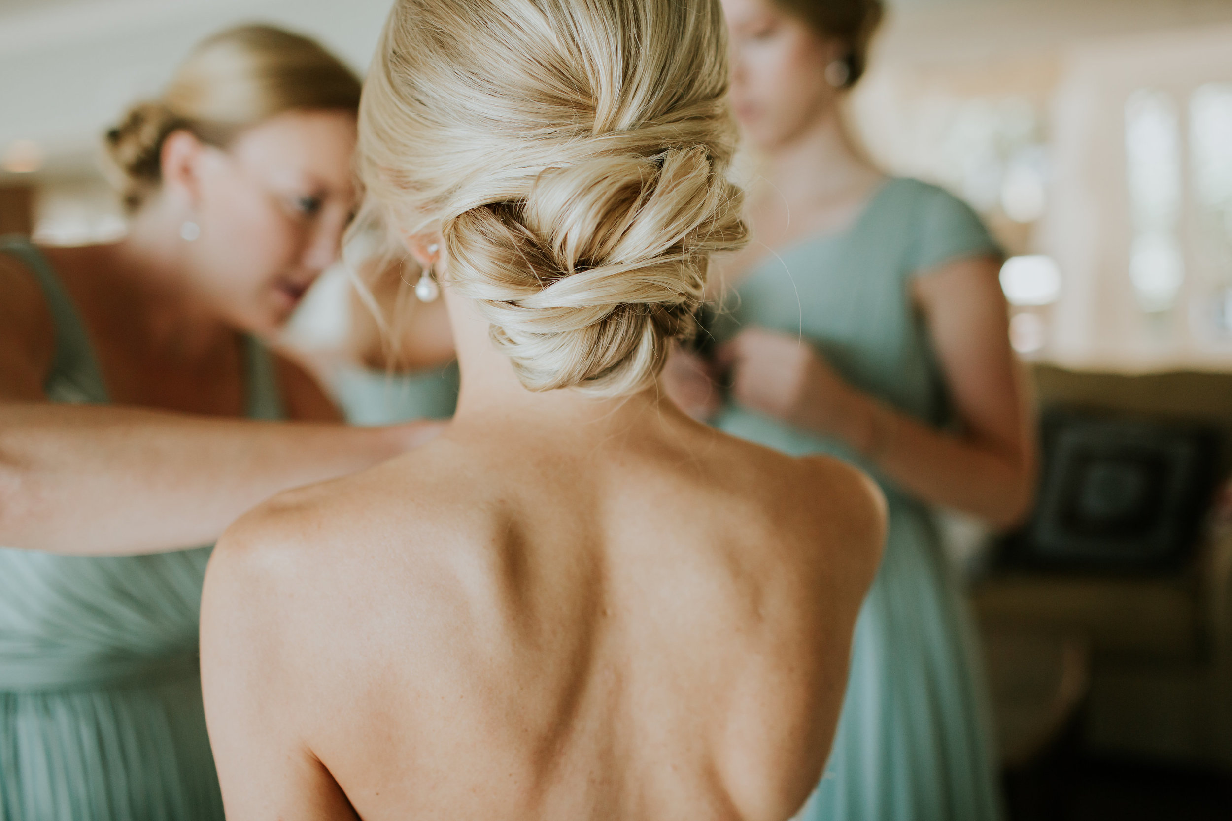 Hilton Head bride's up-do by Eye Do Hair and Makeup  //  Wedding photos by Carrie Friesen