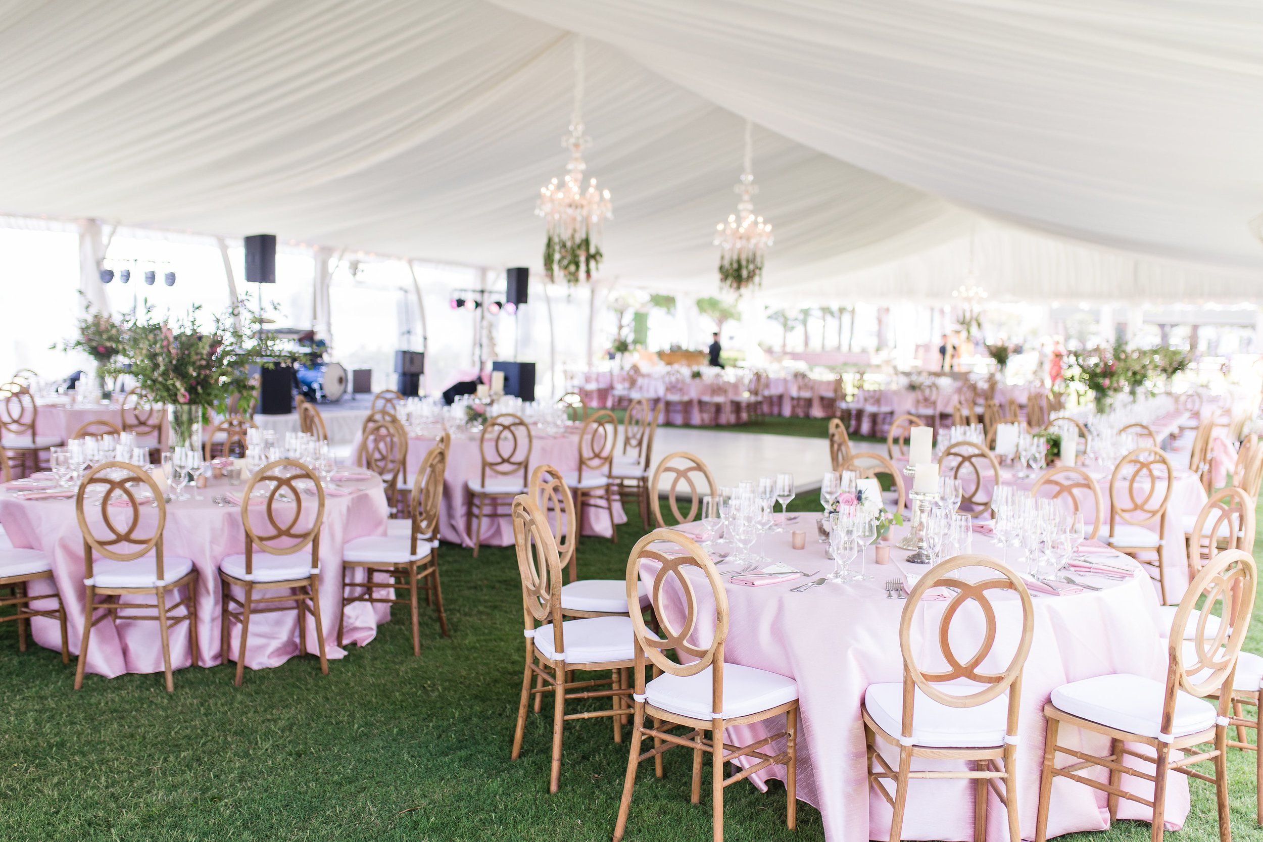 Hilton Head wedding decor at Henry C. Chambers Waterfront Park   //  A Lowcountry Wedding Magazine