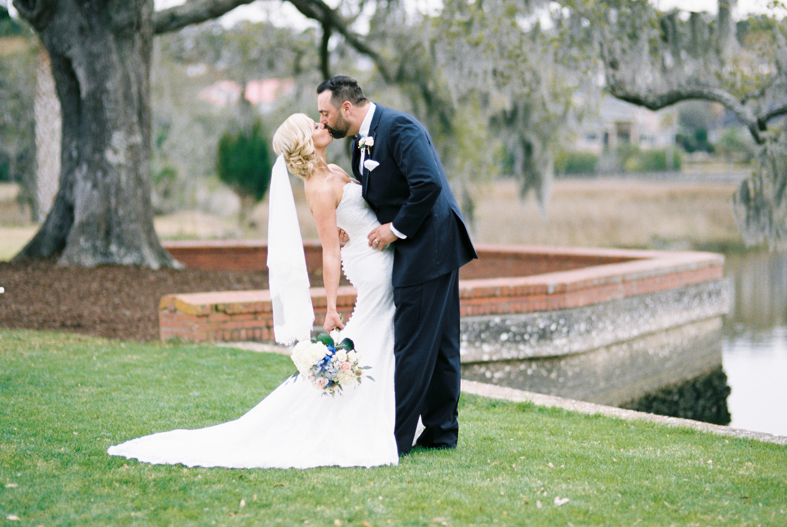 Sheorn_Snijders_CatherineAnnPhotography_catherineannphotographywedding31018carolineericfilm0105_big.jpg