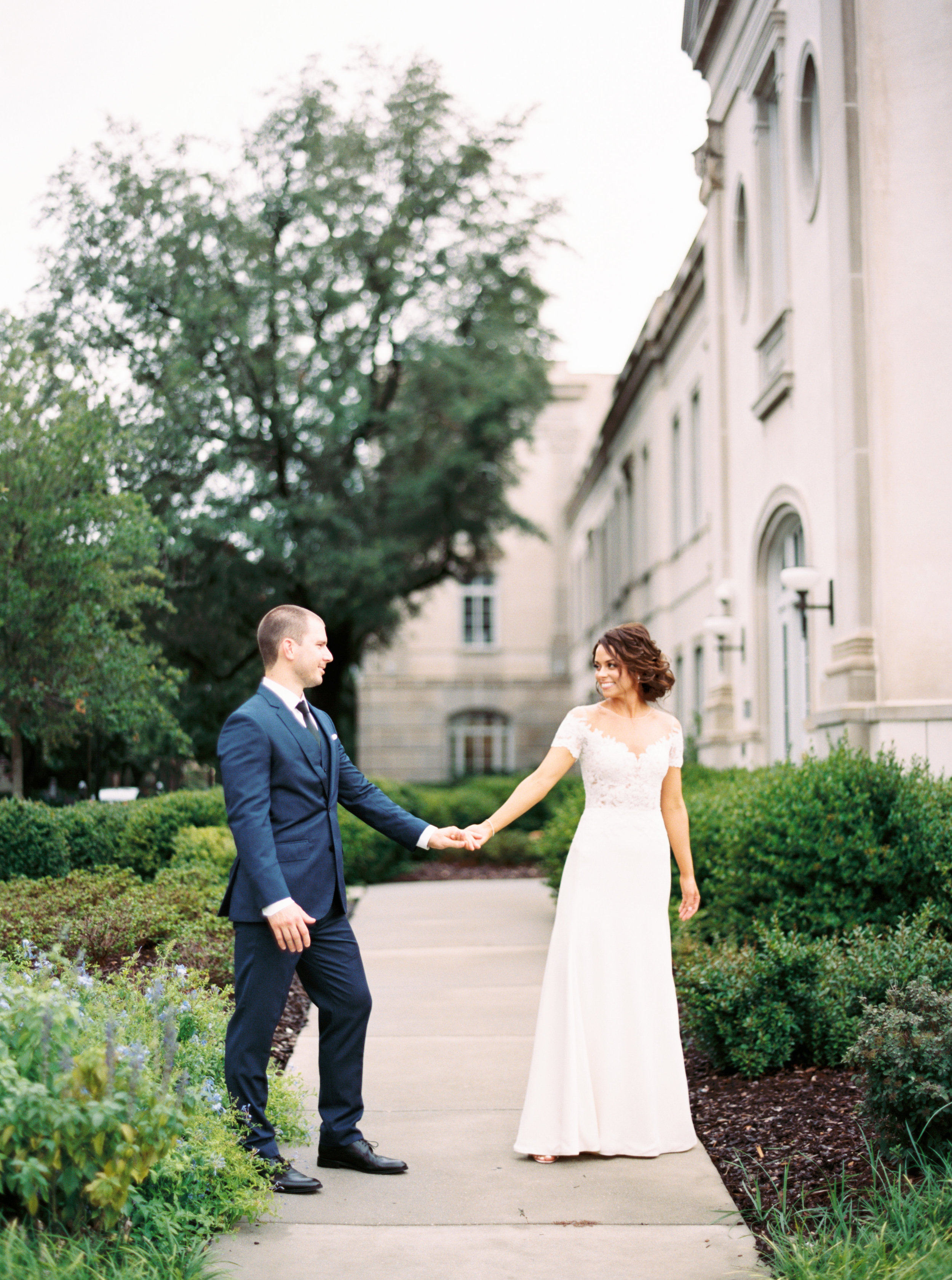 Charleston wedding at The Gadsden House by Ava Moore Photography