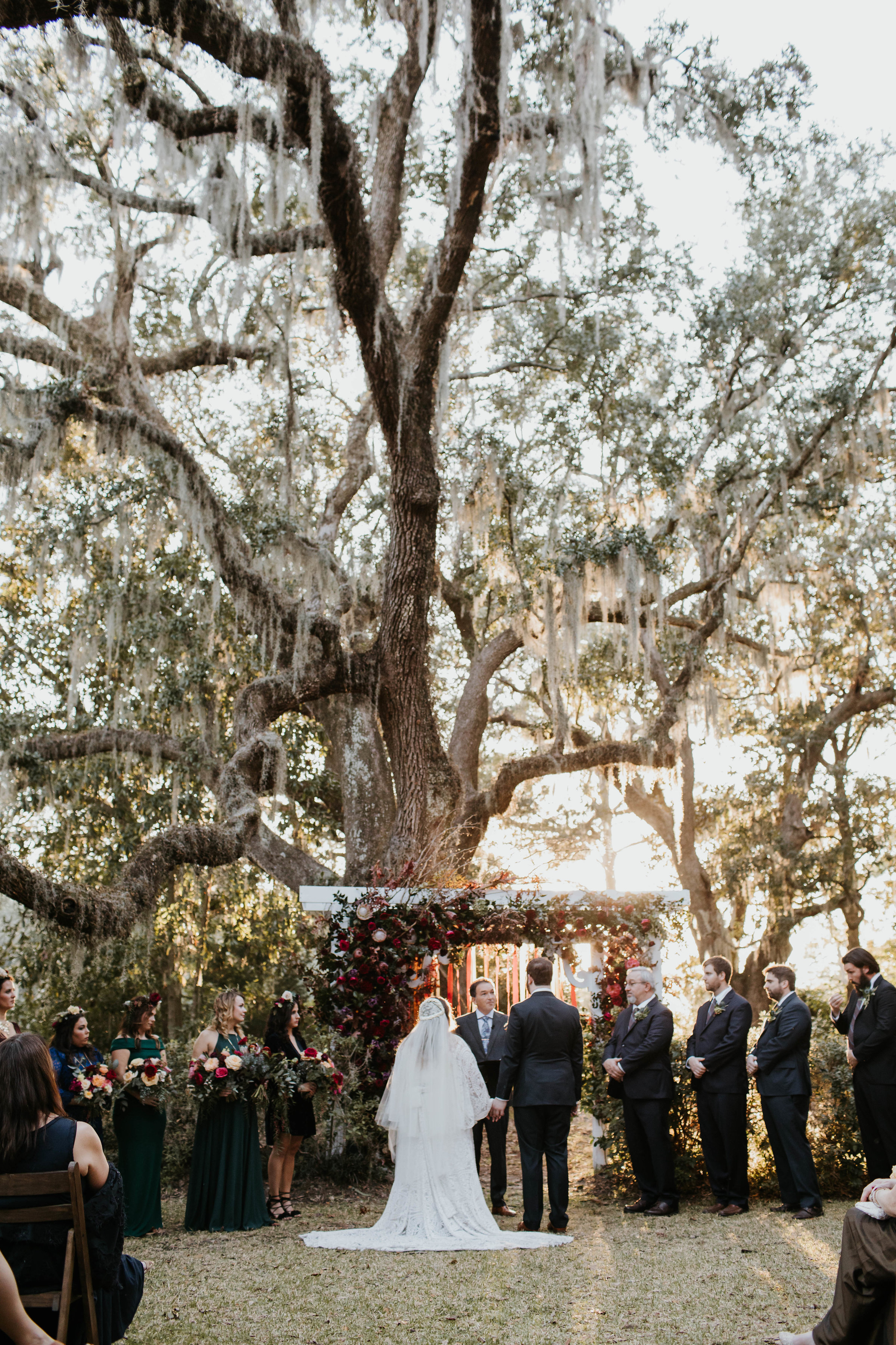 Charleston SC Wedding Ceremony Locations  ll  Wedding Venues in Charleston SC  ll  Premier Guide for Charleston weddings in The Lowcountry.