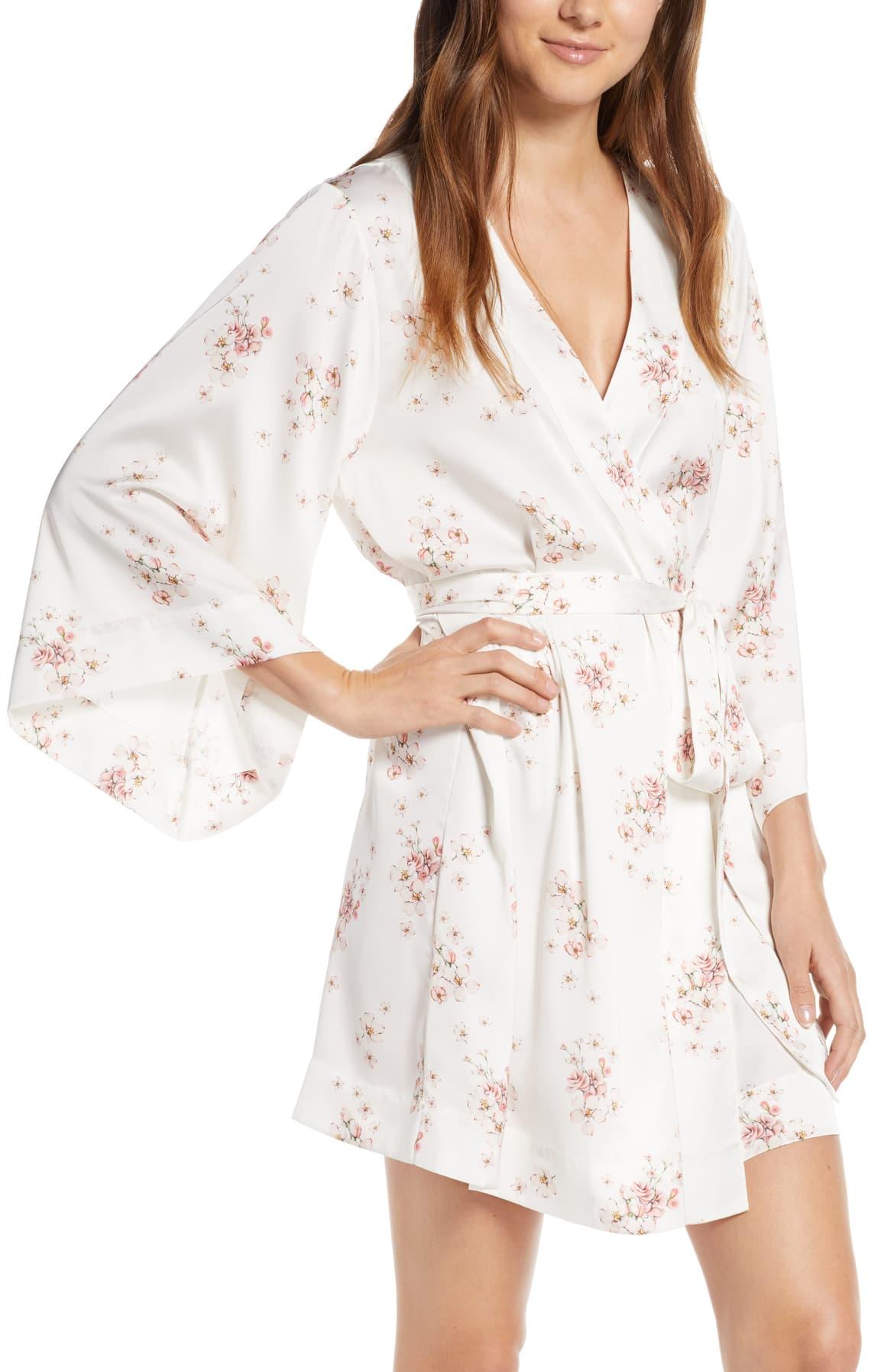 Ditsy Floral Short Satin Robe