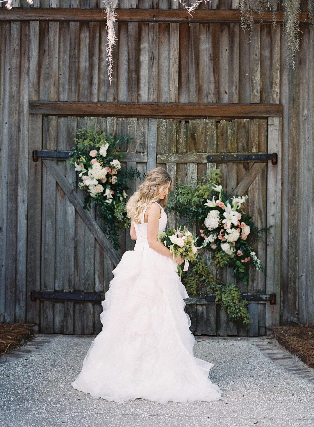 Citrus Themed Wedding Inspiration At Boone Hall Plantation A Lowcountry Wedding Blog Magazine Charleston Savannah Hilton Head Myrtle Beach