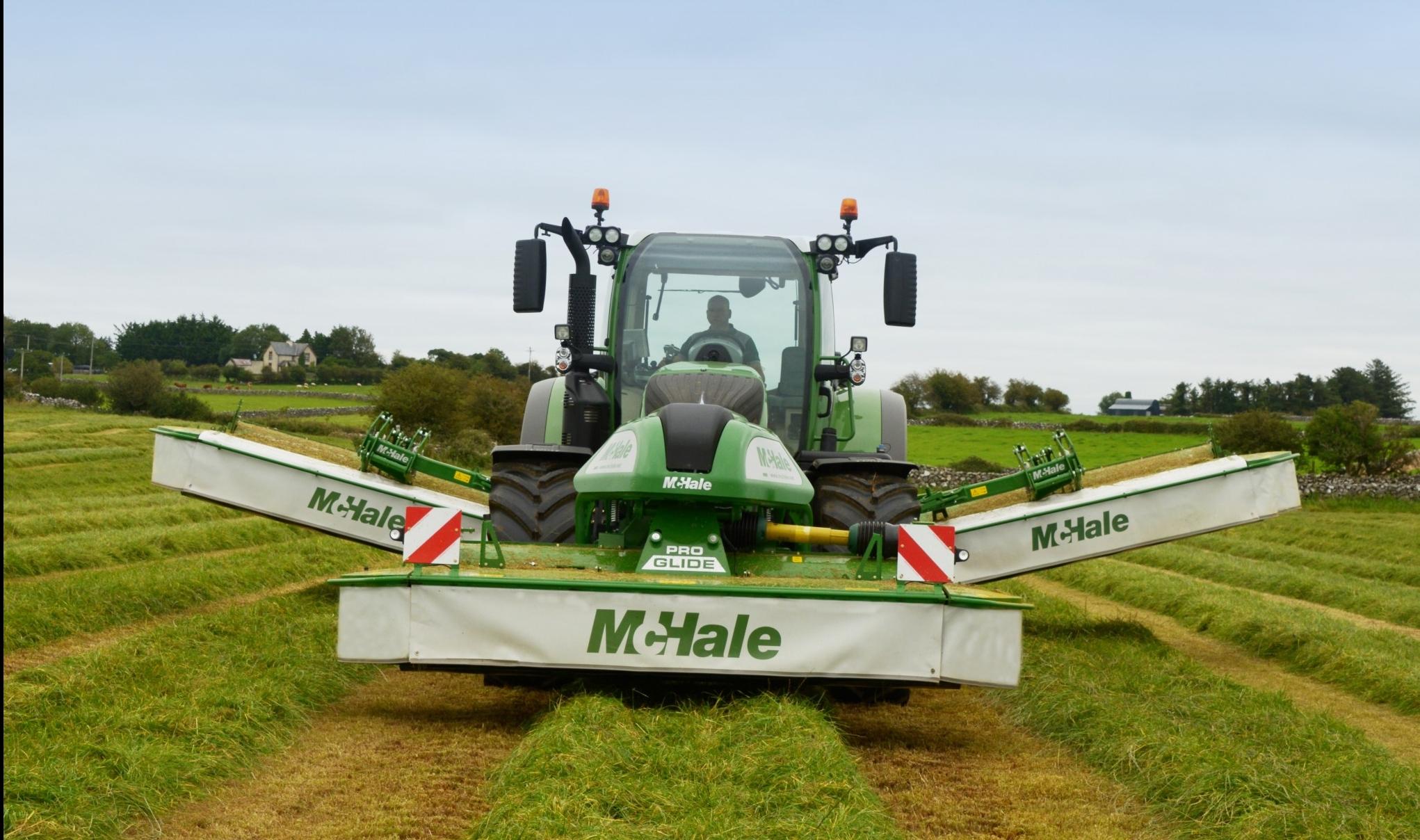 McHale-Pro-Glide-B9000- Tripple Mower.jpg