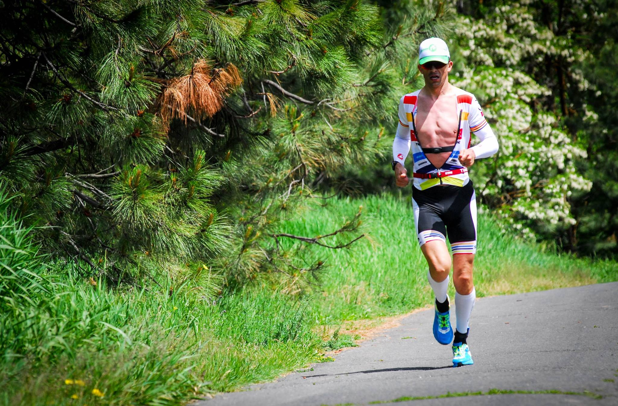 Roger Thompson on the run - Photo by Craig Thorsen