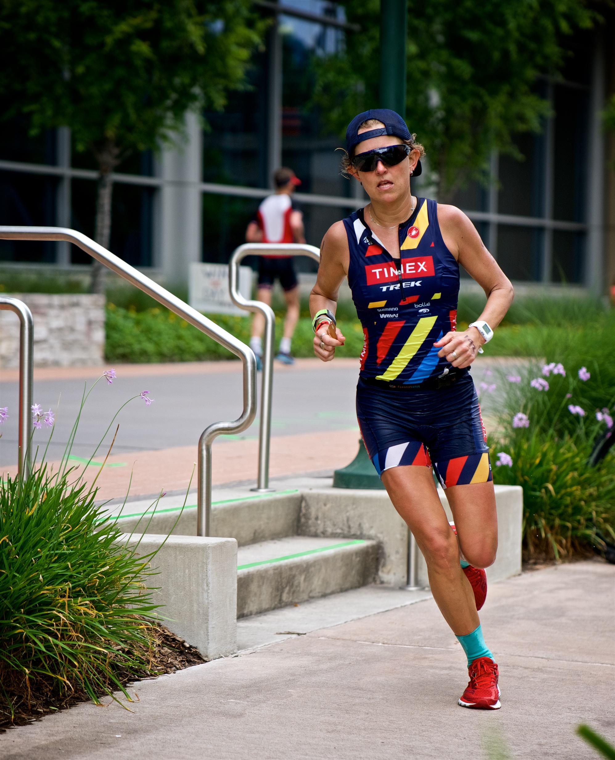 Emily Kratz slaying the run course